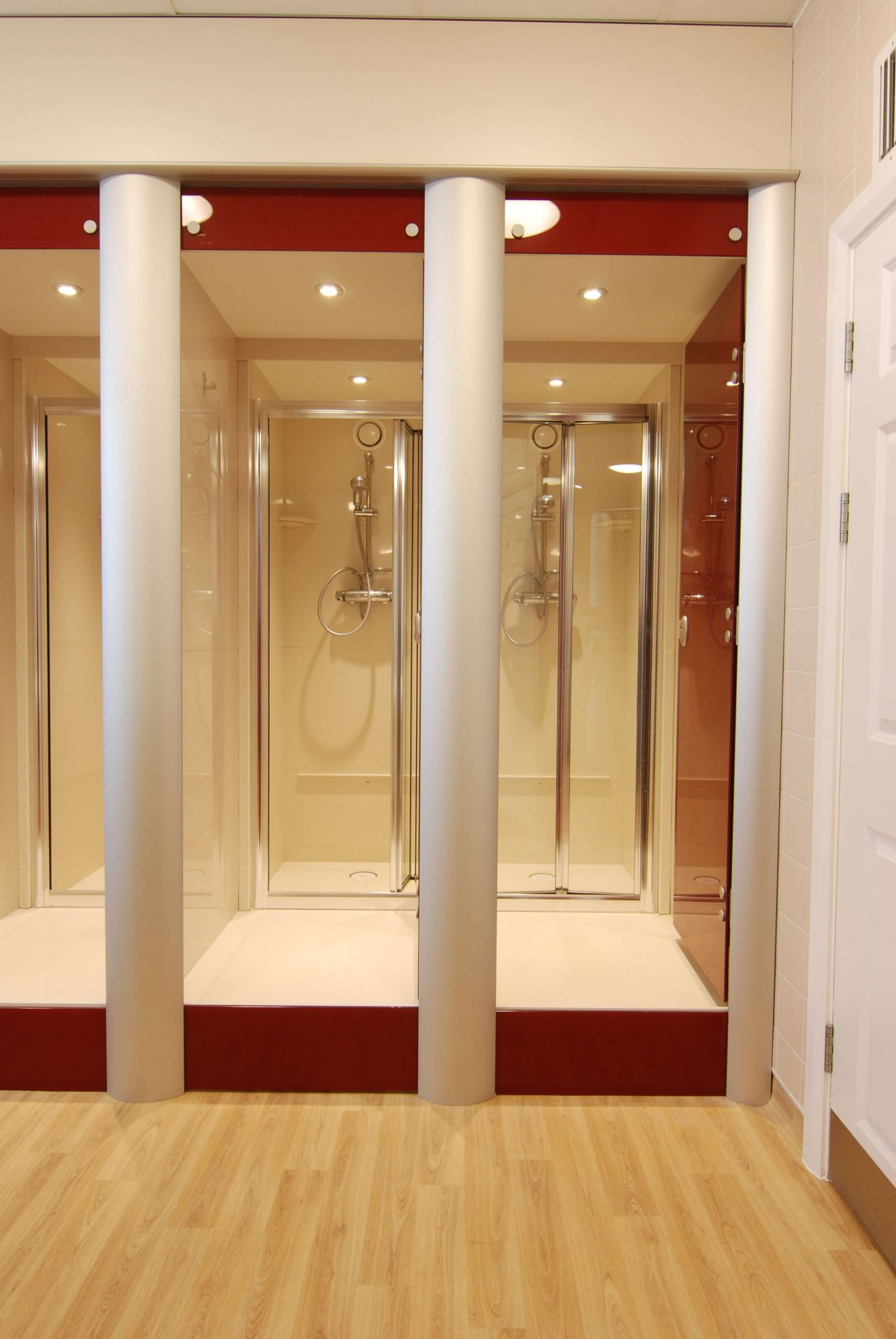 Queenswood School_shower pods2